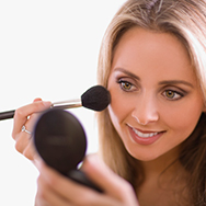 How to Choose and Apply Bronzer